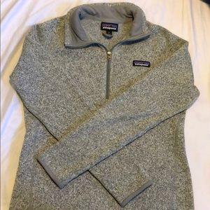 Gray Patagonia 1/4 zip pullover